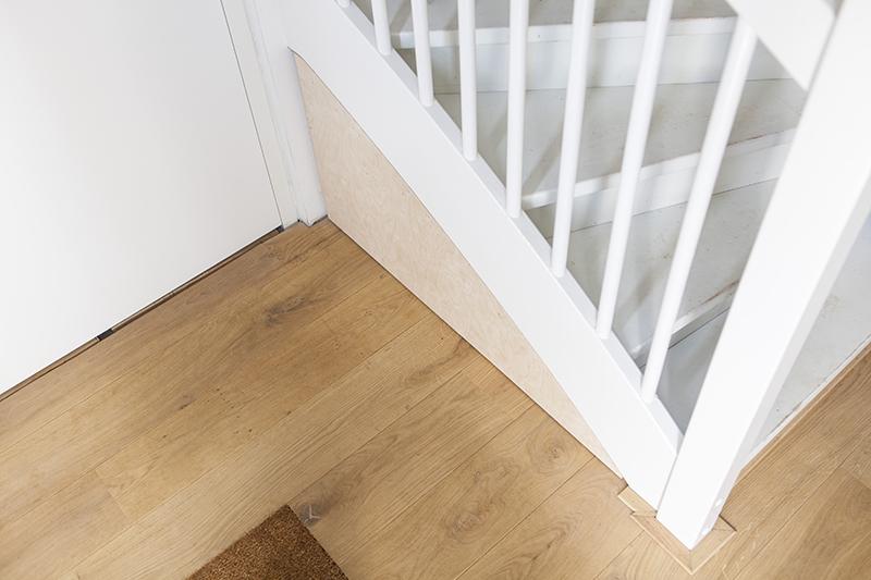 Slimme schoenenlade onder trap - gesloten